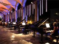 Piano City Napoli, maratona Satie in Galleria. E a Villa Pignatelli è già «Maggio» con Laetitia Hann