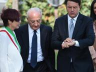 De Luca scherza: «A Renzi ho fregato un miliardo, quasi quasi lo sposo»