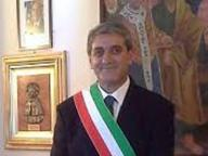 Picchiò il sindaco di ValenzanoL'aggressore finisce ai domiciliari
