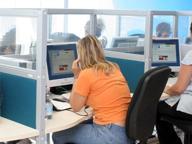 Call center, a Taranto operatori a 2,5 euro l'ora in garage