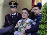 Arrestato componente del clan Mallo, si era fatto tatuare il nome del boss e un fucile kalashnikov