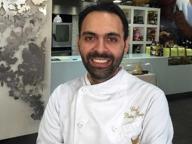 Lo chef Parisi respinge il pizzo scacciando il figlio del boss