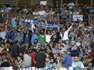 Napoli-Besiktas, tifoso turco 15enne preso a calci e pugni. Ferito alla testa