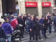 Referendum, Centri sociali in piazza Assaltata le sede del Pd a via Toledo