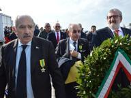 Caso Taranto, Emiliano al sit in E il Pd chiede incontro a Renzi