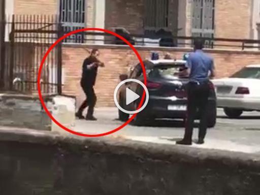 Ennesimo controllo per arrestato ai domiciliari lui s for Garage per due auto e mezzo