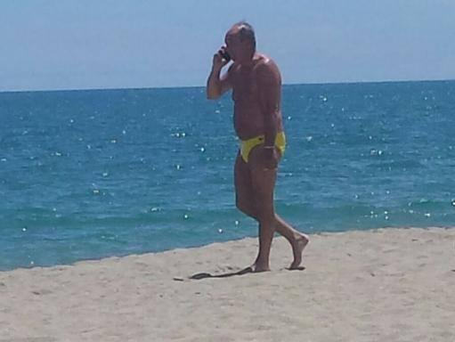 Ventura passeggia in riva al mare e la nazionale non pi un segreto - Mare in tavola foggia ...