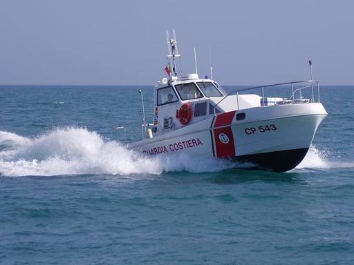 Scoperti scarichi abusivi in mare la capitaneria utilizza la fluorescina - Mare in tavola foggia ...