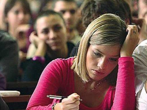 Inizia la scuola, a Melito aspettano da un anno il contatore