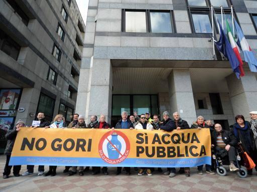 «Acqua, ancora aumenti delle tariffe» Proteste in 20 Comuni dell'ex Ato3
