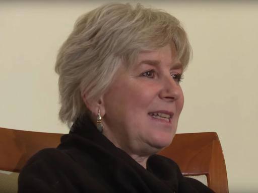 «Elena Ferrante è Anita Raja» L'indagine sui conti divide i lettori