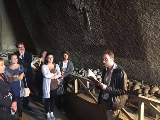 Il bello dell'Italia, tutti in fila per la Napoli underground