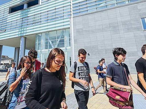 Apple Academy, si parte con i corsi E in serata una festa stile Steve Jobs