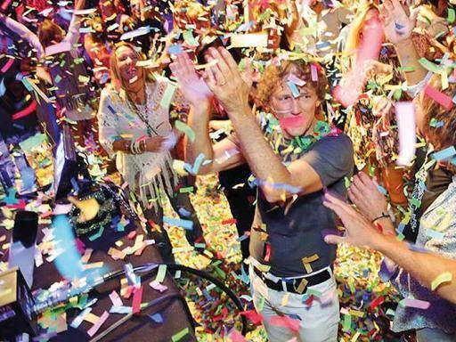Rock, famiglia e petrolio: Rocco festeggia con 1700 invitati