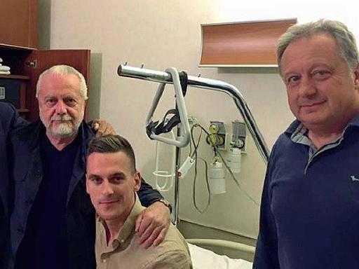 Milik operato: «Tornerò più forte» Il Napoli non prenderà svincolati