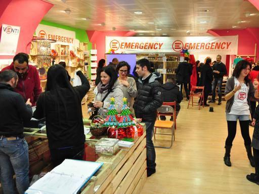 Emergency inaugura a Napoli lo Spazio Natale