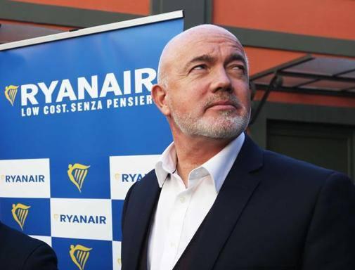 Ryanair atterra a Napoli e porta in dote 17 nuove destinazioni