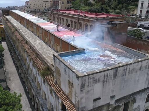 Pollock In Terrazzo I Colori Di Zabetta Sul Tetto Dell Ex Ospedale